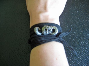 Halloween black wrap with skull from Green Girl